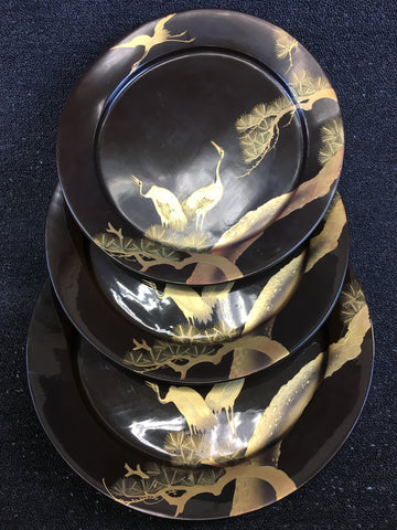 3-PIECE OF GOLD-LACQUERED PINE AND CRANE PATTERN PLATE SET - TLS Living
