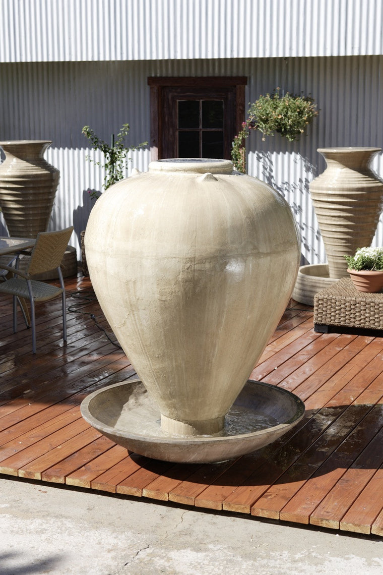 Large Vase with Wok Outdoor Fountain - Soothing Walls
