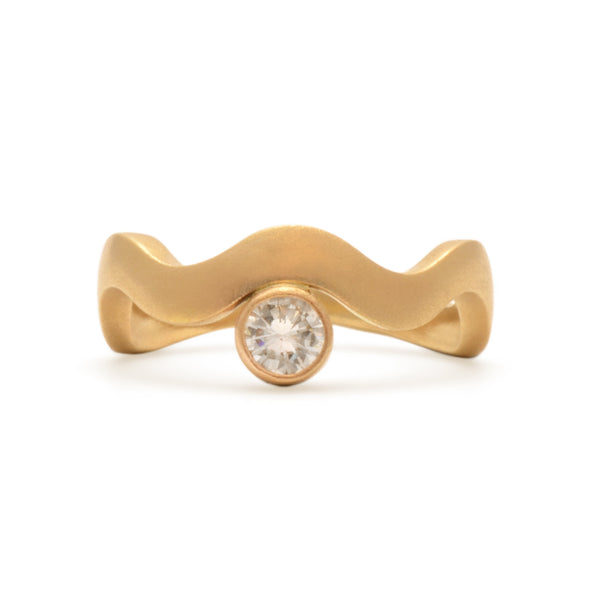 RECLAIMED ROUND DIAMOND IN 14KT RECYCLED YELLOW GOLD WAVE SHAPED RING