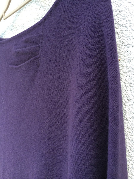 One sleeve Cashmere poncho in Aubergine