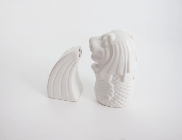 Merlion Salt & Pepper Shaker Set - LOVE SG
