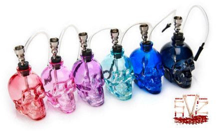 Lovely skull water pipe - 6 colors.