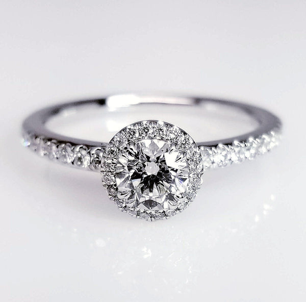 diamond ring in diamond district New York best shop custom made halo ring