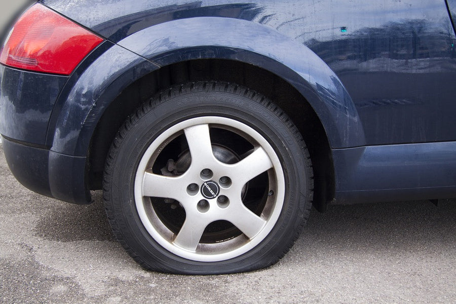 What to do if you have a flat tyre and no spare tyre?