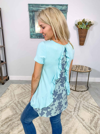 Looks Good On You Short Sleeve Floral Ruffle Back Top in Aqua - Filly Flair