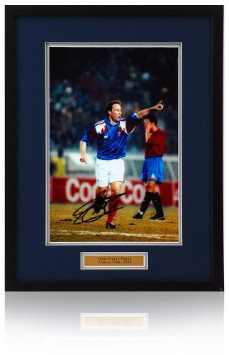 Jean-Pierre Papin hand signed France 12x8 photograph.