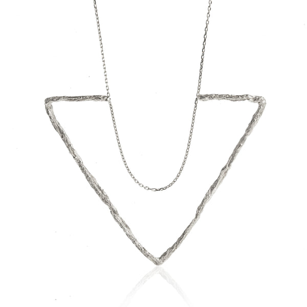 DELTA LARGE TRIANGLE NECKLACE-SILVER