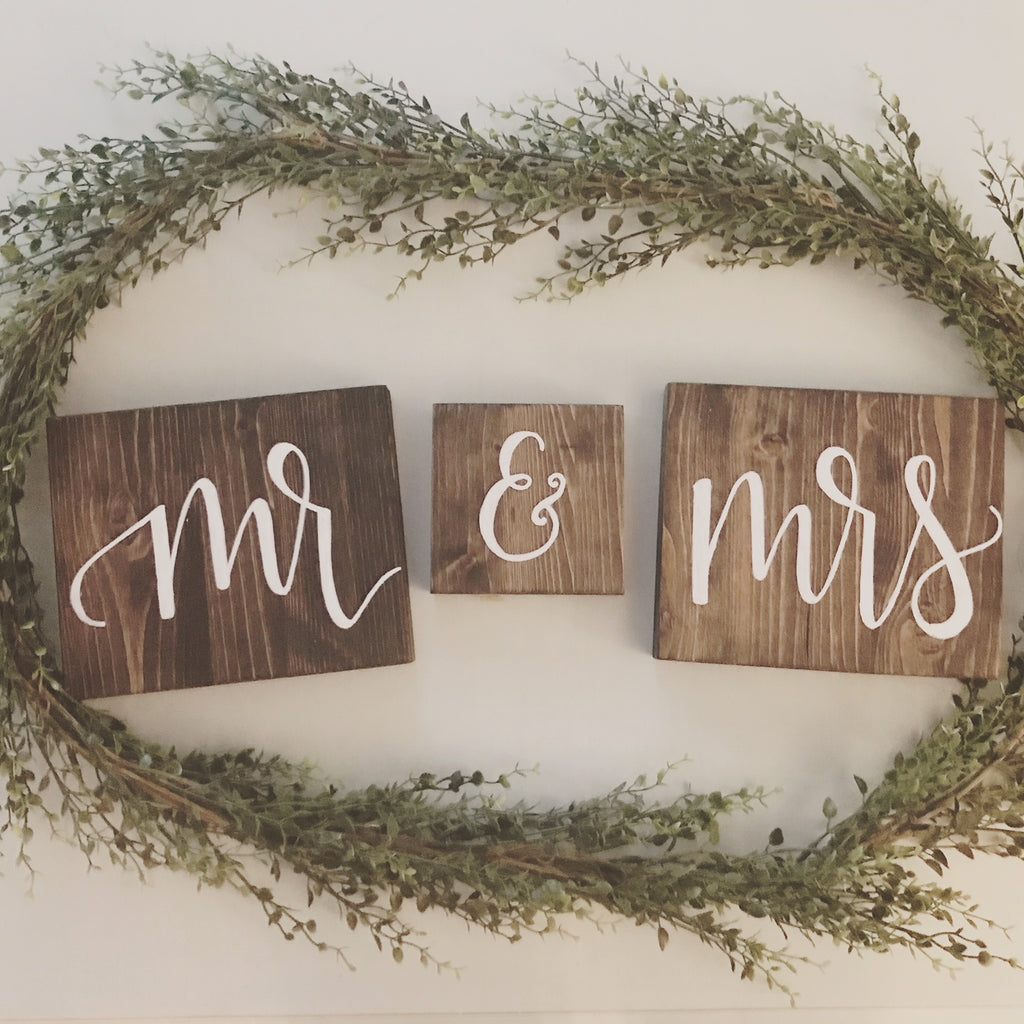 WOODEN MR. & MRS. SIGNS
