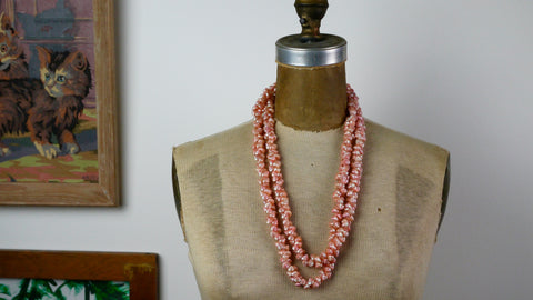 Vintage 1960s Pale Pink Dyed Shells Necklace Hawaii