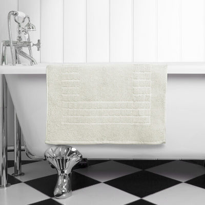 The perfect cream bath mat for any bathroom or en-suite shower