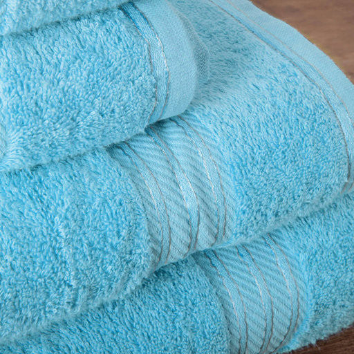 Our turquoise bath sheets make your bathroom feel like a spa.