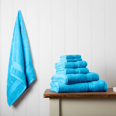Our towel bale offers 7 teal towels including 1 large bath sheet, 2 bath towels, 2 hand towels, 2 face cloths