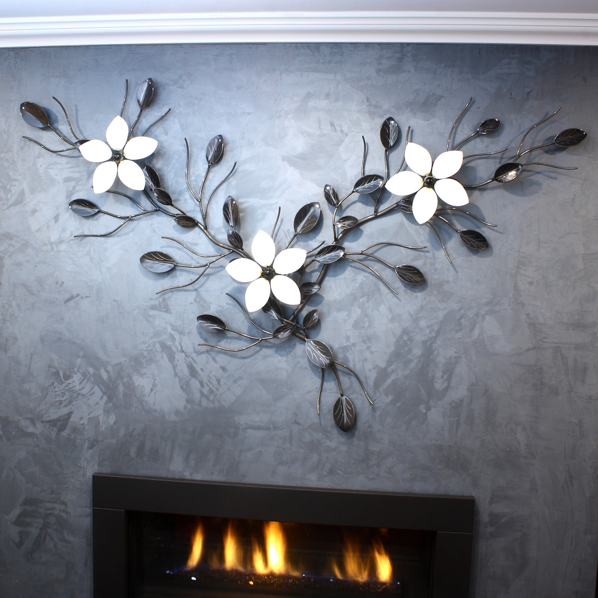 3 Flowers On A Vine: Wall-mounted Metal Art Flowers