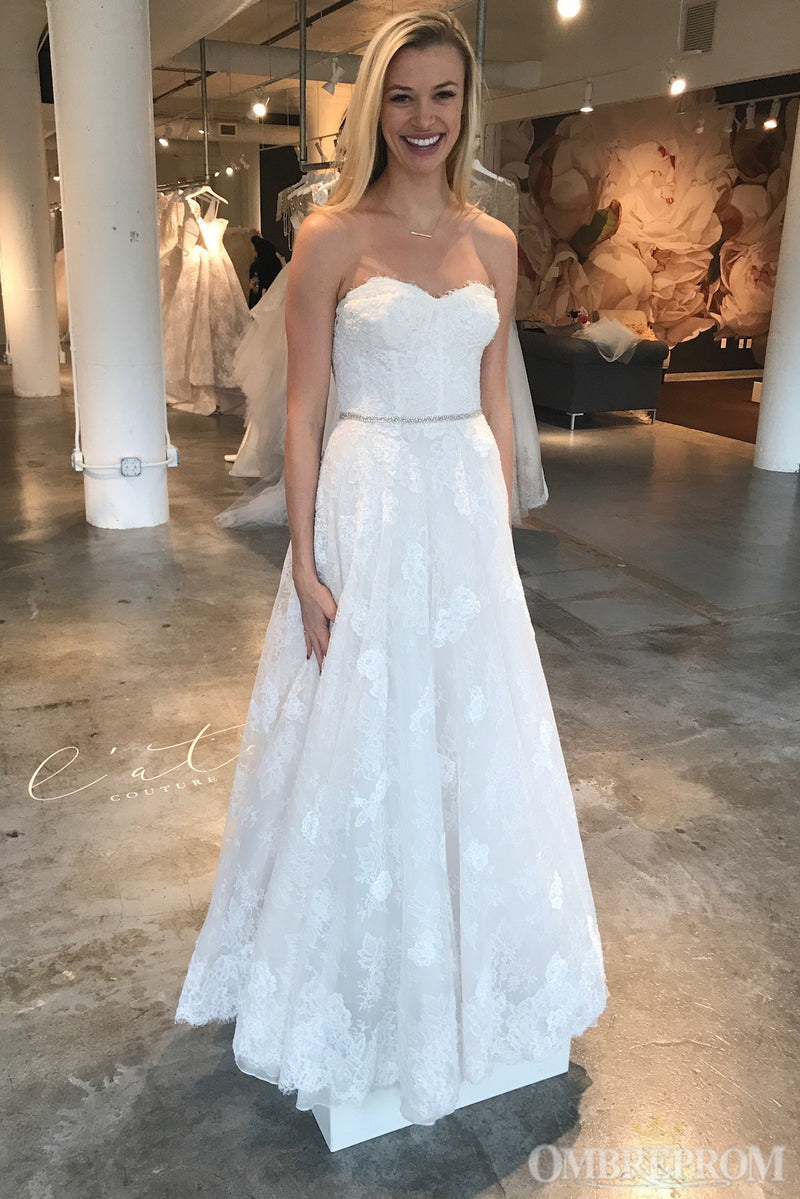 Chic Lace Bridal Gown Sweetheart Backless A Line Wedding Dress with Appliques W637