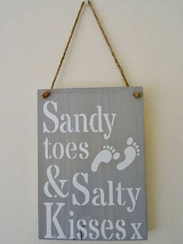 "Wooden Wall Decoration ""Sandy toes & Salty Kisses x"" - Annie Sloan Chalk Paint"