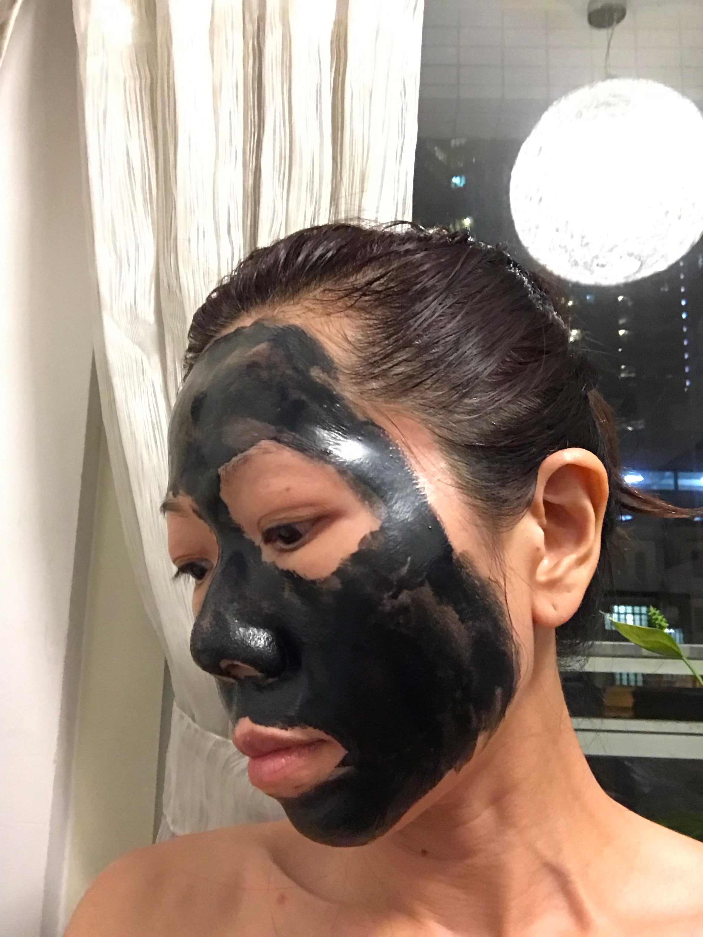 Review on Kose Sekkisei White Clearing Mask. Removes blackheads and refines pores. Suitable for oily and combination skin. Peeling Mask. Made in Japan. Shipped from USA by BeautyKat.com