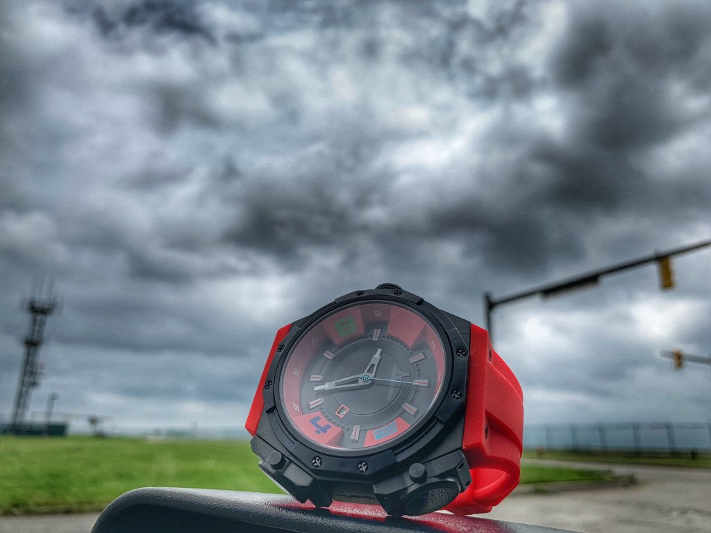timetoblogwatches review on Achtung Shuttle