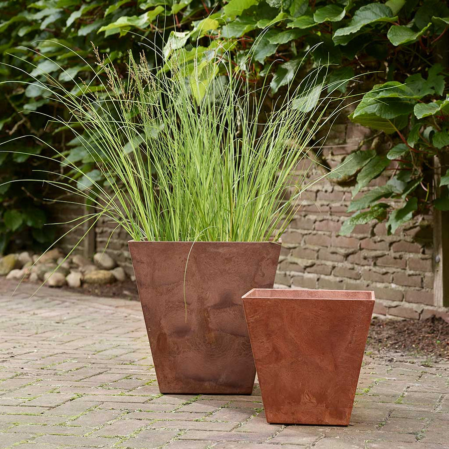 Ella Artstone Outdoor Plant Pot - Oak