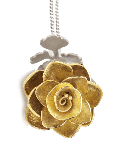 V. WALKER ROSE LOCKET