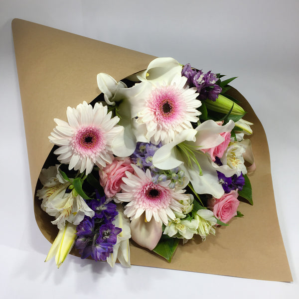 Lower Hutt Flowers Delivering Lilies and Gerberas