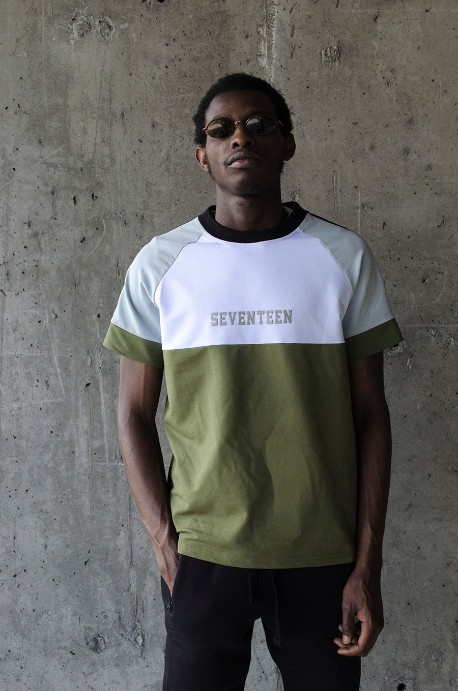 THE RE-UP// T-Shirt with military colours