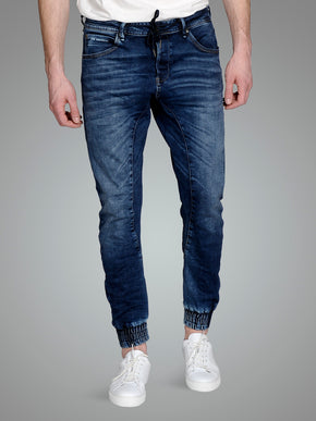 PANTALON JOGGER EN DENIM COUPE AJUSTÉE