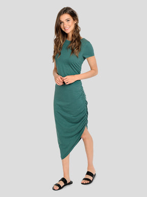 MAXI DRESS WITH AN ELASTIC DETAIL