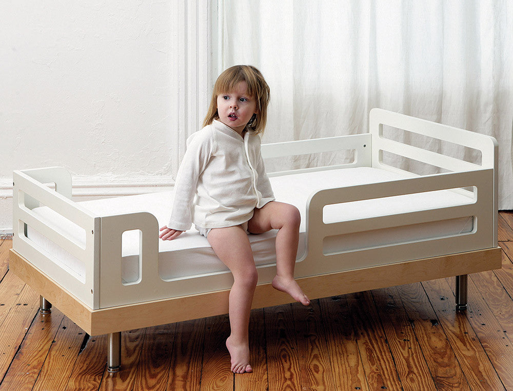 CLASSIC TODDLER BED - BIRCH