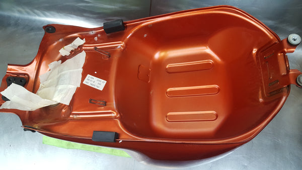 03 copper orange gas tank sv650 small ding YAV