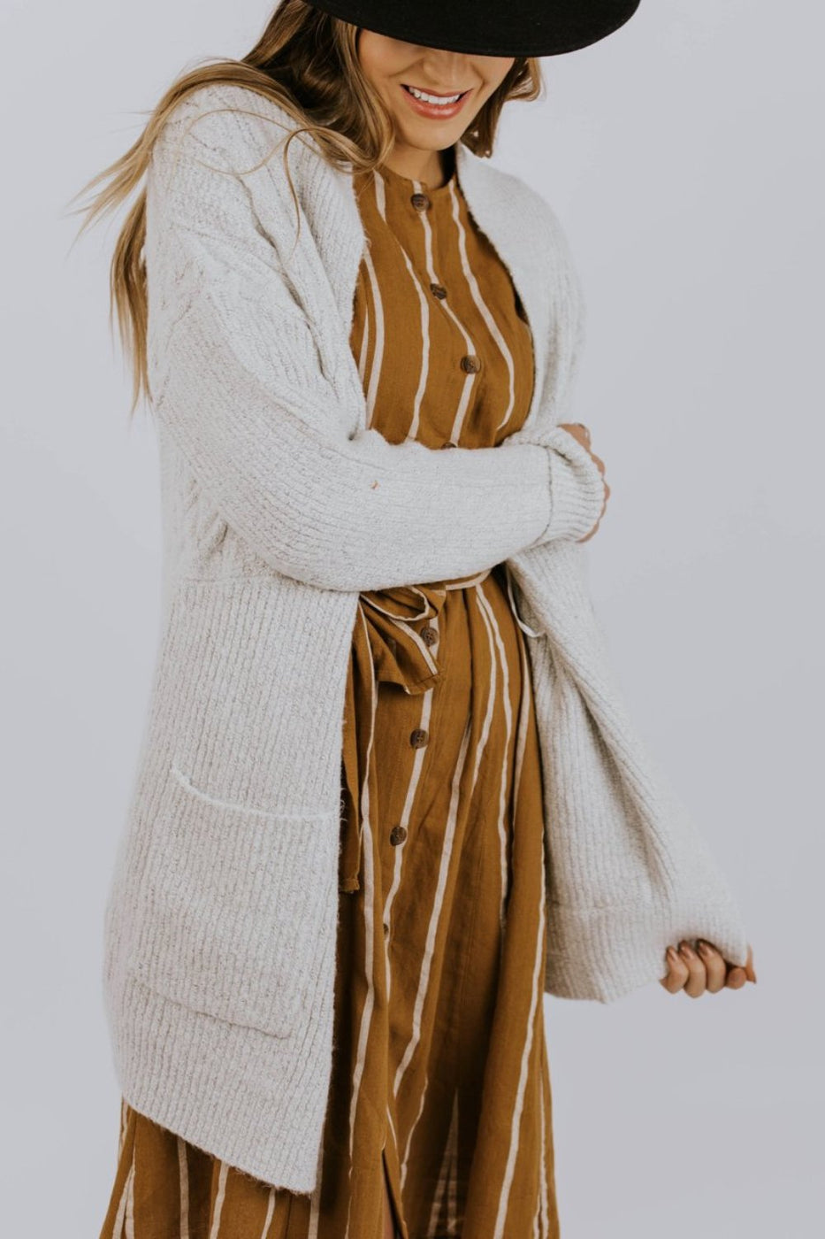 Ivory Detail Cardigan Sweater Outfit Ideas | ROOLEE
