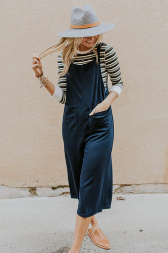 Fall Jumpsuit Outfit Ideas For Women | ROOLEE