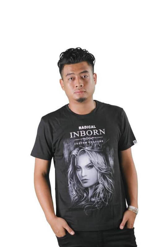 RI Queen Black Tee