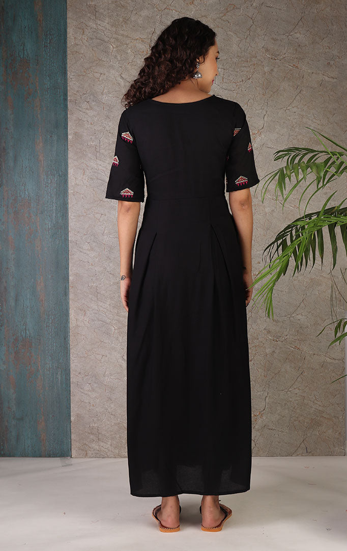 Fetish For Fun Maxi Dress In Black