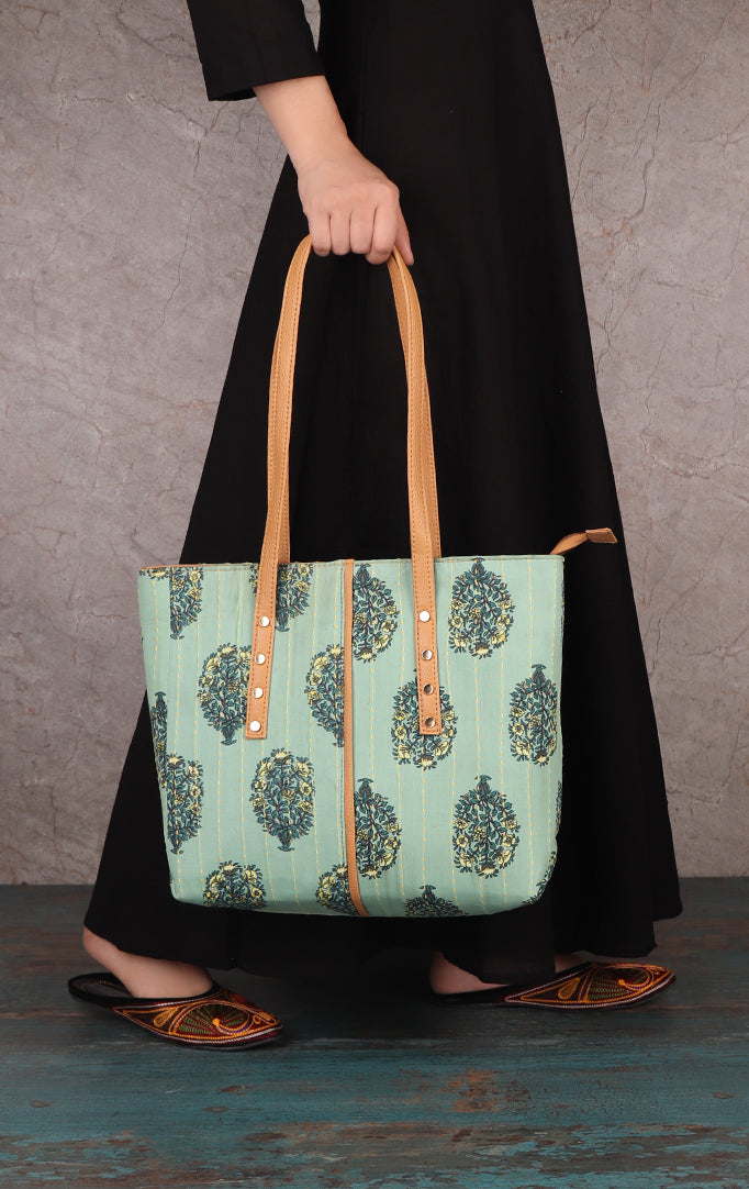 Personal Kepper  Tote Bag With Metal Studs