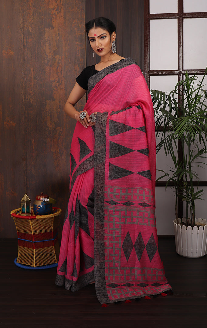 Pink Grey Geometric printed Saree