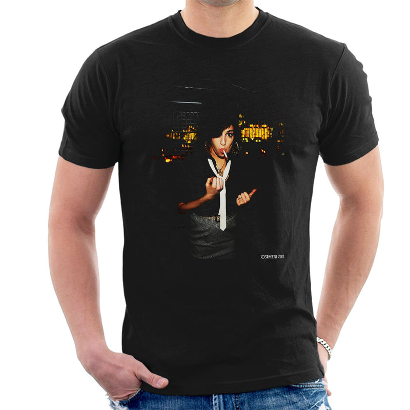 Amy Winehouse Smoking Men's T-Shirt - Don't Talk To Me About Heroes