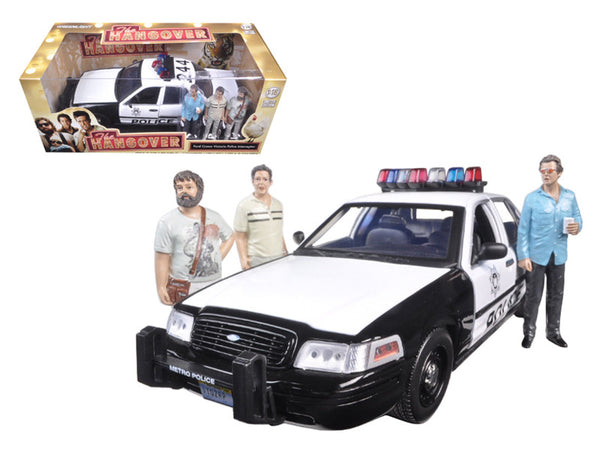"2000 Ford Crown Victoria Police Interceptor Car with 3 Figures ""The Hangover"" Movie (2009) 1/18 Diecast Model Car by Greenlight"
