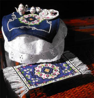 Miniature Table Topper & Rug - Xs and Ohs