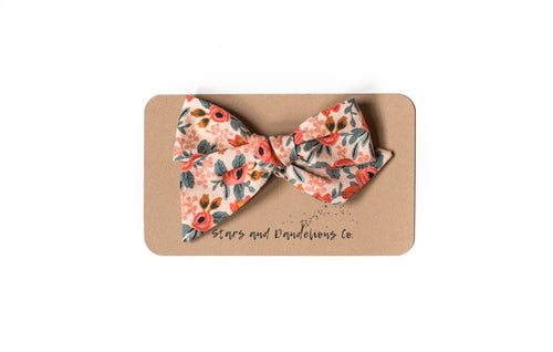 Stars and Dandelions Nora Bow, Rosa Floral Peach