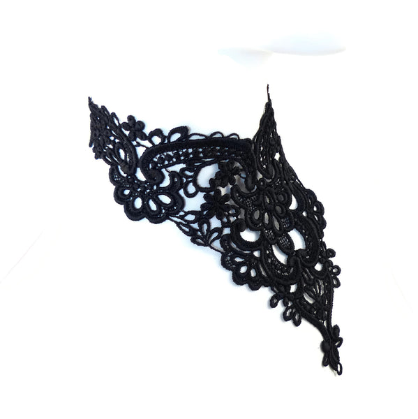 Beatrice Lace Collar