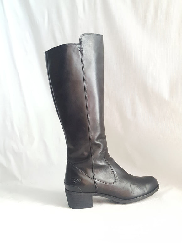 UGG AUSTRALIA Leather Riding Boots size 6.5