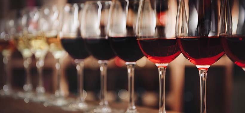 Why Varietal-Specific Wine Glasses Make a Difference