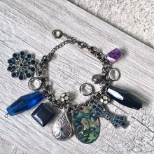 NAVY BLUE PEWTER METAL CHUNKY STONE BEADED CHARM BRACELET