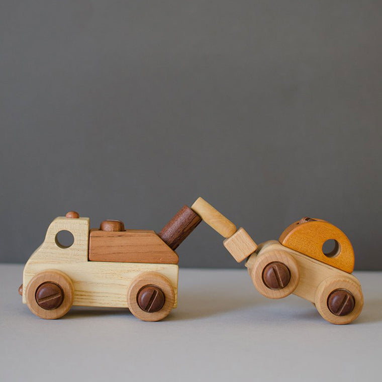 SOOPSORI Wooden Car With Tool Kit