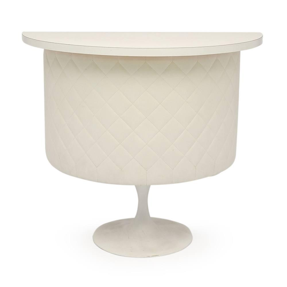 White Quilted Saarinen Bar