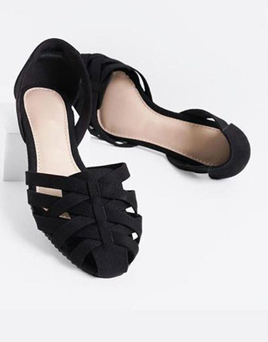 Chic Black Criss Cross Flats
