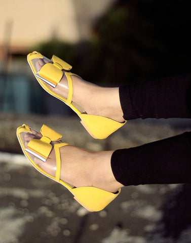 Chic Yellow Flat