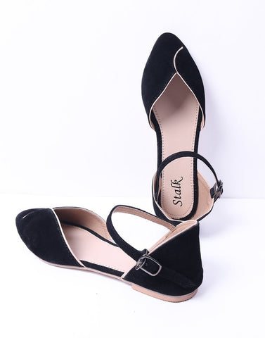 Simple Black Pointed Toe Ballerina