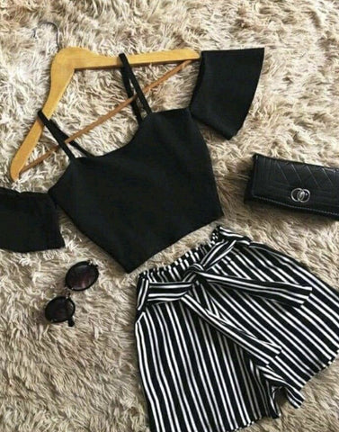 Cute Cold Shoulder Crop Top With Shorts