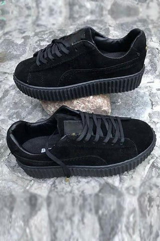 Simply Smashing Black Sneaker